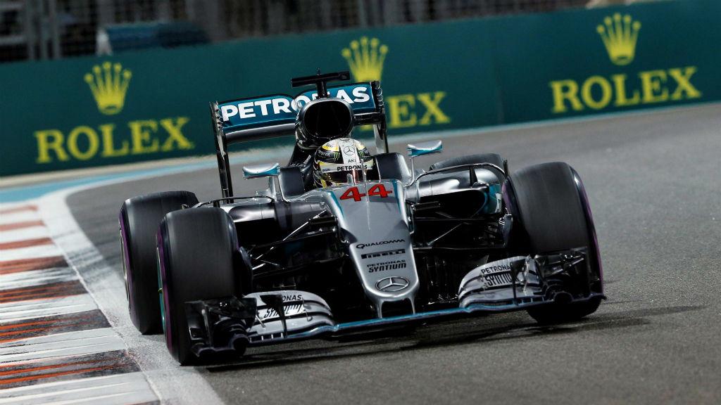 Pole Position για τον Hamilton στο Abu Dhabi και ελπίδες για τίτλο