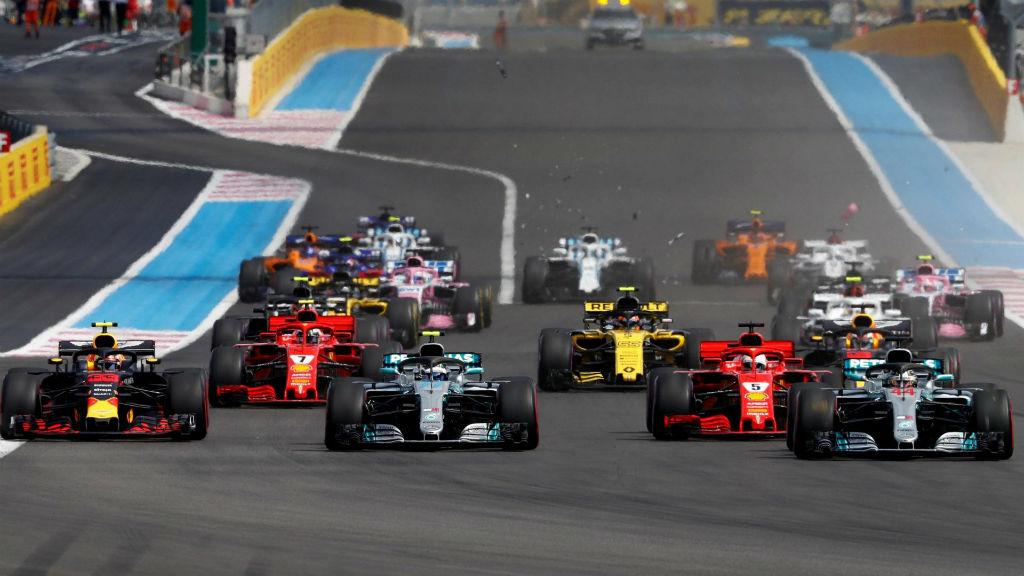 Άνετη νίκη Hamilton στη Γαλλία