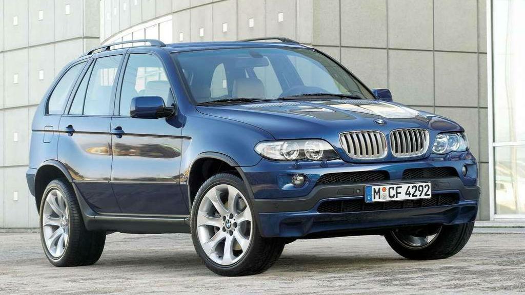 Ανακαλούνται 1.260 BMW 5 Series και X5 για τους αερόσακους