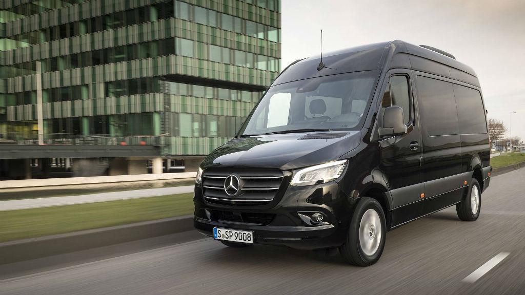 Ανακαλούνται 117 Mercedes-Benz Sprinter