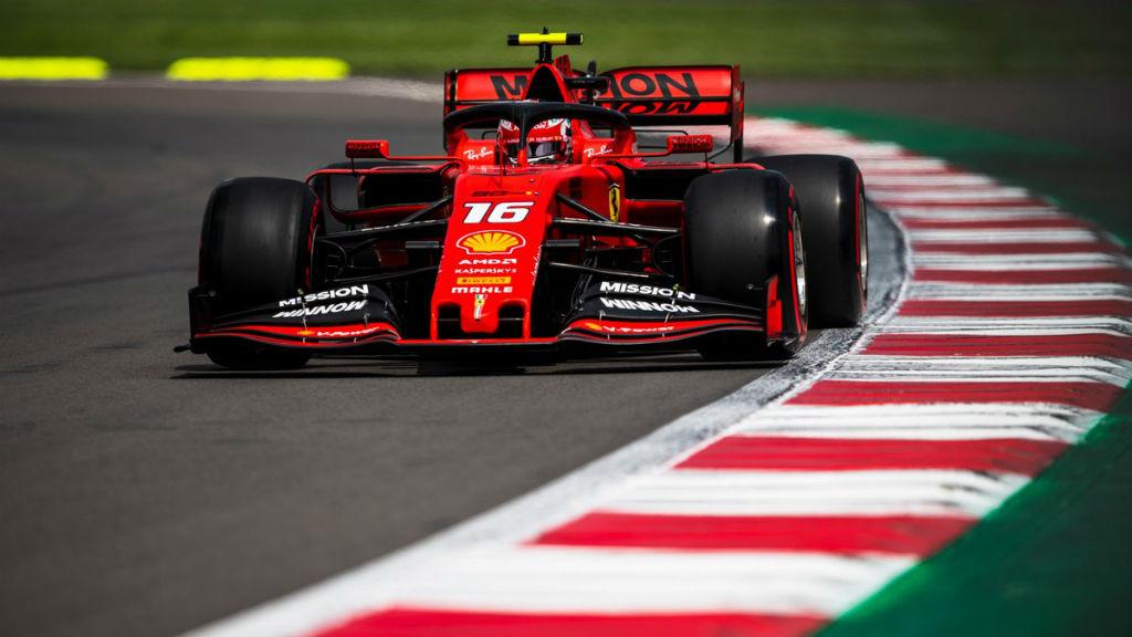 Ο Leclerc στην Pole Position μετά την ποινή του Verstappen στο Μεξικό