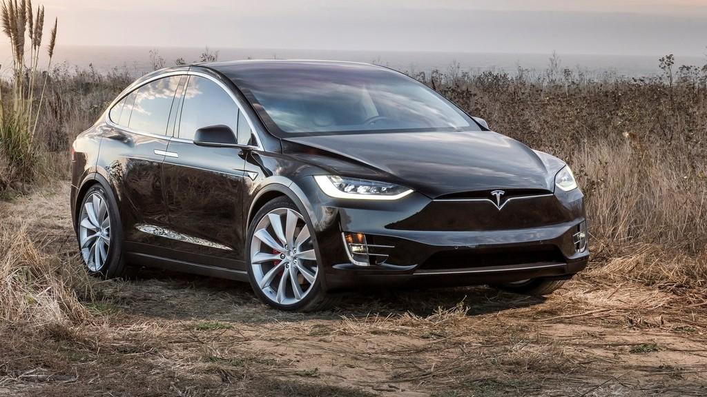 Η Tesla στην ελληνική αγορά