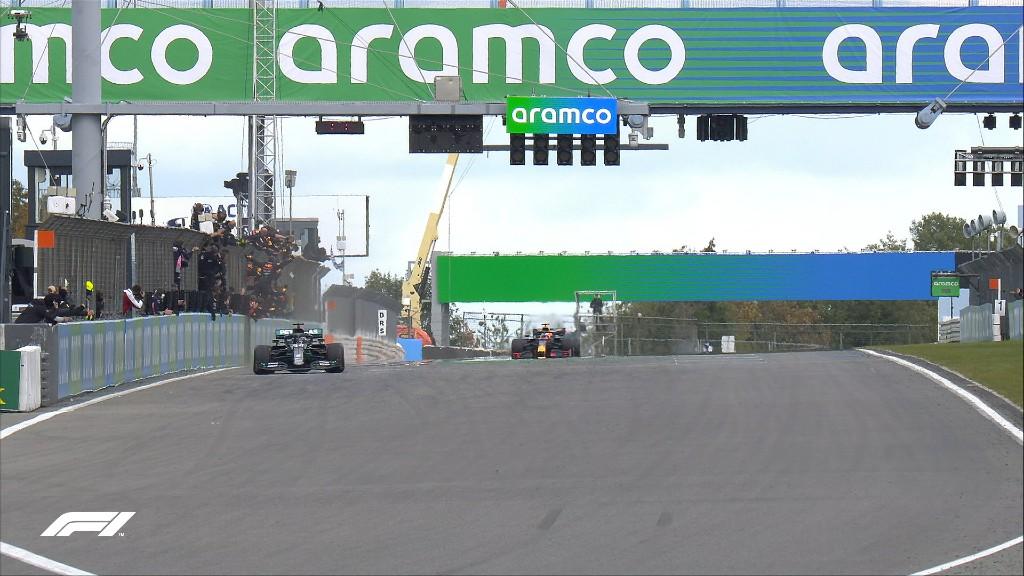Σημαντική νίκη για τον Hamilton στο Eifel GP