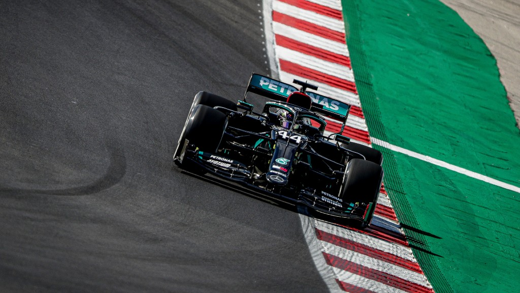 Pole Position για τον Lewis Hamilton στην Πορτογαλία