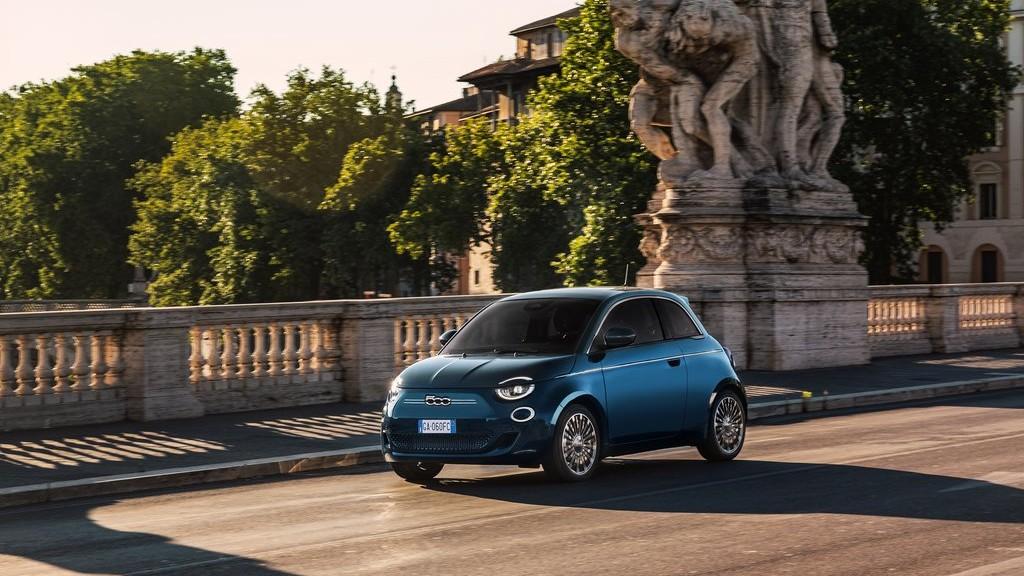 Το ηλεκτρικό Fiat 500 από 24.290€