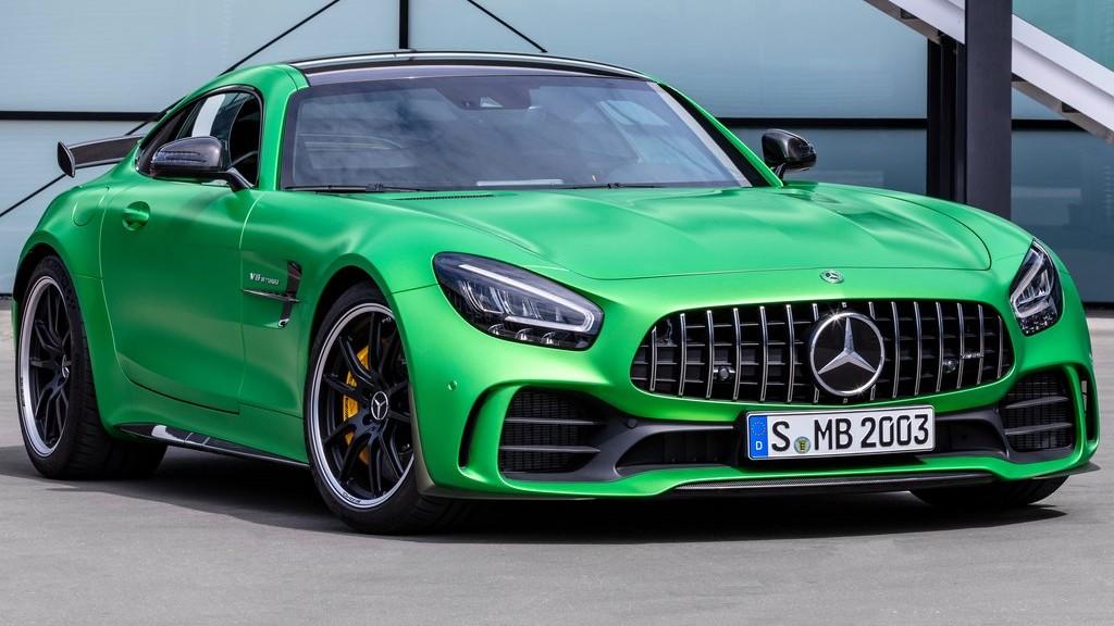 Οι ανανεωμένες Mercedes-AMG GT στη χώρα μας