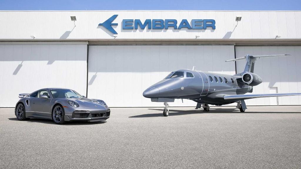 Με την αγορά ενός Jet δώρο μια Porsche