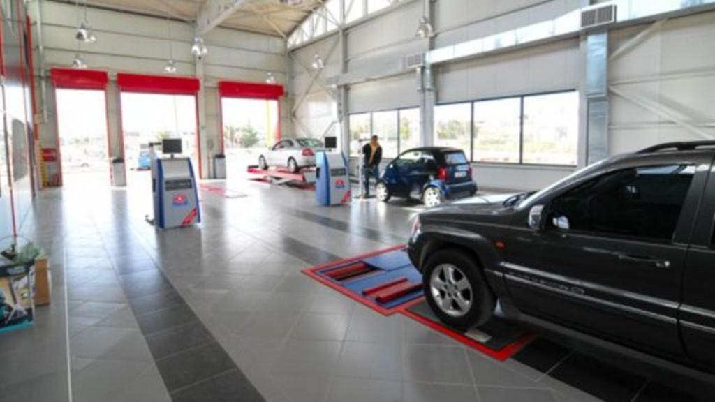 Ανοιχτά ΚΤΕΟ και συνεργεία αυτοκινήτων